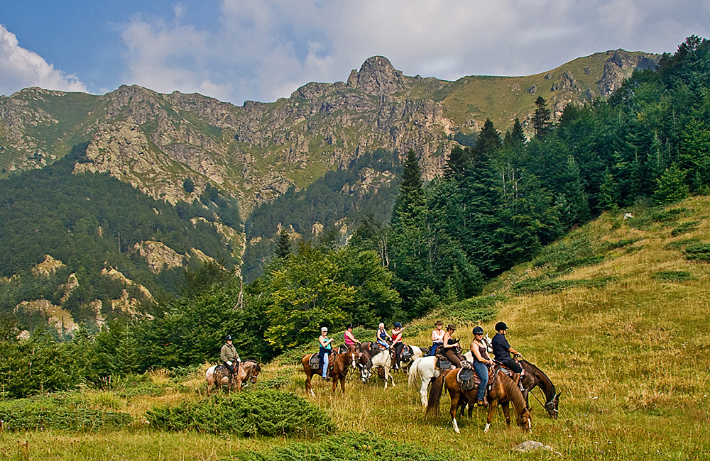 horseriding tours and trails in bulgaria