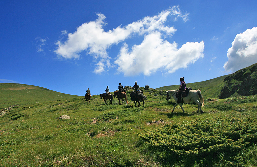 horseriding holidays in the bulgarian mountains