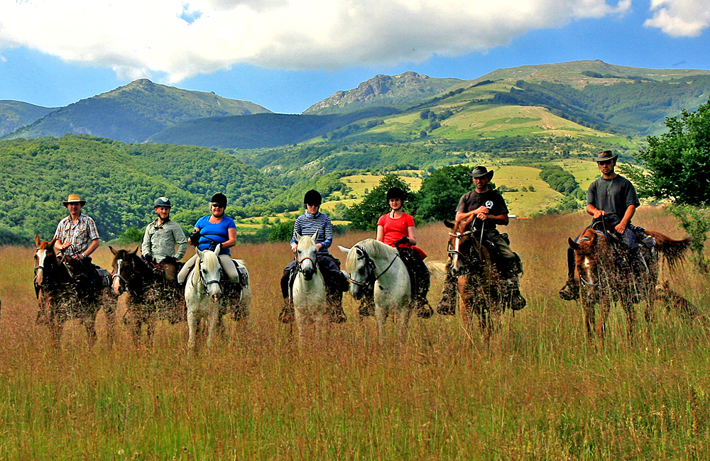 equestrian and horseback riding tours in bulgaria
