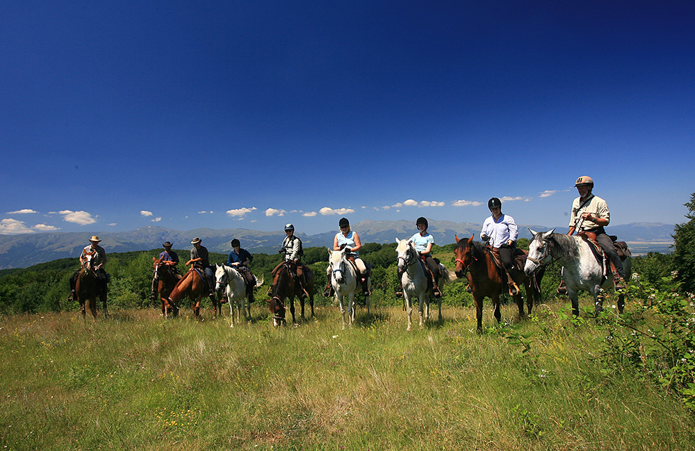 horseriding tours in bulgaria