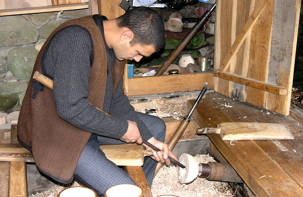 culture and history tour of bulgaria, etara museum craftsman